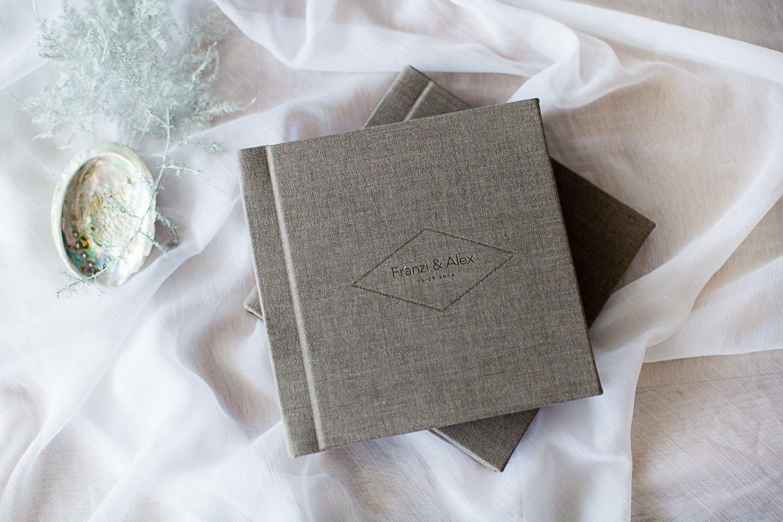 Liebevolle-Alben-Hochzeit