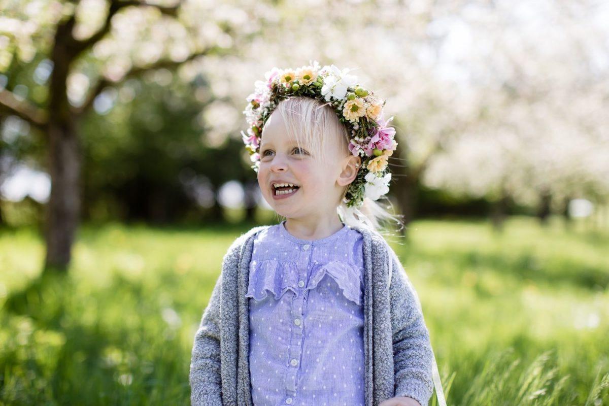 Mama Tochter Fotoshooting mit blumenkranz