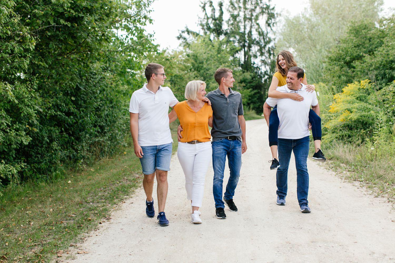Familienshooting mit erwachsenen Kindern